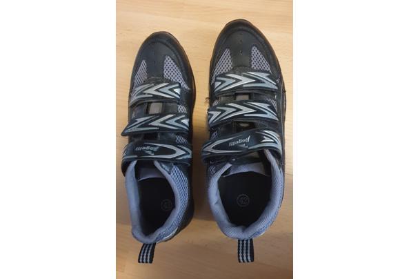 Wielrenschoenen met overschoenen en been/armwarmers - 20210407_120306