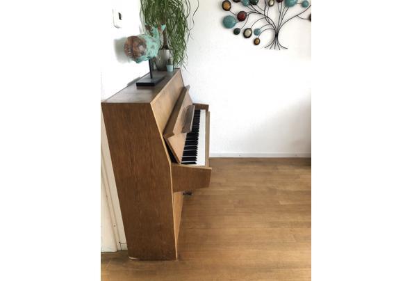 Mooie piano, niet gestemd - EEC50C04-1BF9-4596-9403-456BE0D86595