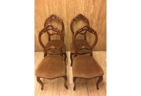4 ouwe stoelen - IMG_0458.JPG