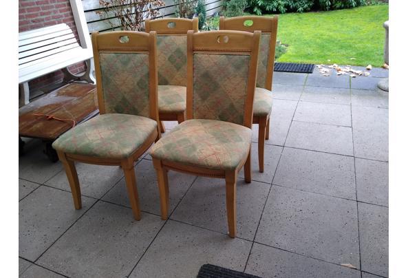 Vier stevige houten stoelen - IMG_20210107_130709071