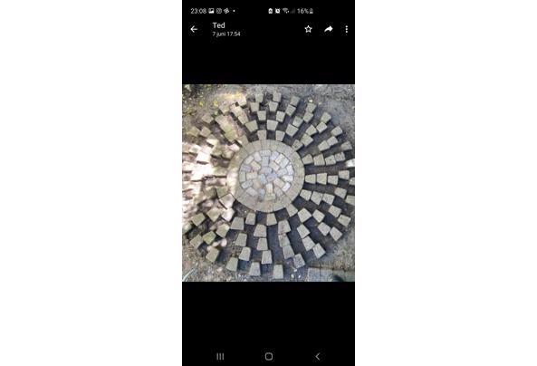 Sierbestrating 17m2 met cirkel bestrating  - Screenshot_20210610-230848_WhatsApp