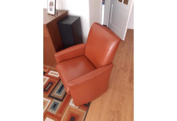 Twee stoelen  - 16186562185925865563790768569143
