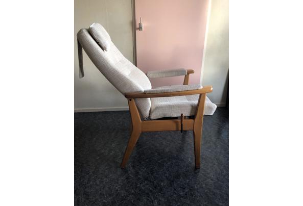 Houten relax stoel  - 1944EBA9-5C26-40C2-9C69-0069A86B7EBA
