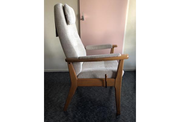Houten relax stoel  - B4097821-72A7-460E-AD42-75C96D51D62D