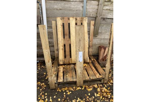 2 houten pallets gratis af te halen - BE973CD7-23DE-4048-BB01-C5A4D372501E.jpeg