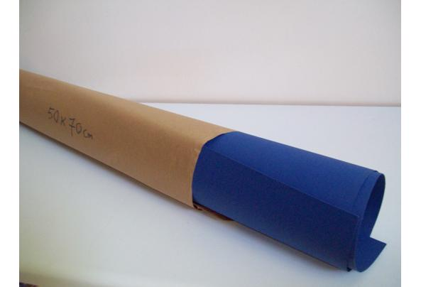 Groot Vel Blauw Karton, 'n stuk Groen Plakfolie, Geel en Rozen Karton (zie maten) - AA-BLAUW-KARTON