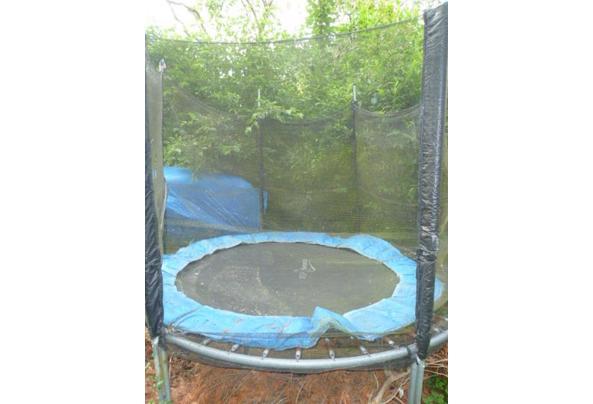 Trampoline voor in de tuin met net - P1210865