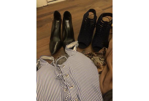Tas met leuke hippe kleding en schoenen  - 1E3F9698-FE8D-4FB3-880D-31F5650D6533.jpeg