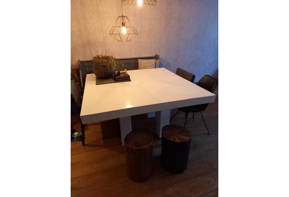 Witte tafel 140 bij 140 cm  - 20210117_091318