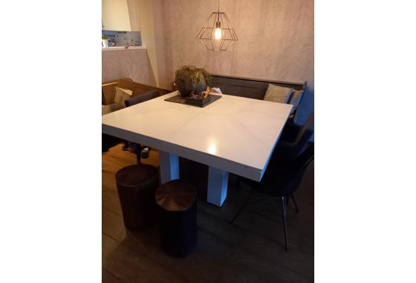 Witte tafel 140 bij 140 cm  - 20210117_091331