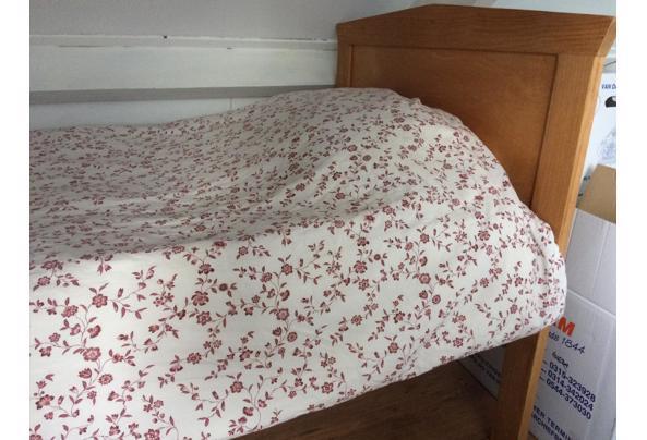Mooi houten bed 1-persoons - 9B2A71FE-4E8F-4B8D-9487-495FE770E131.jpeg