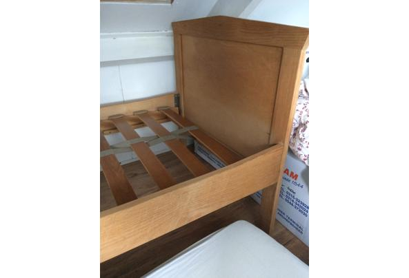 Mooi houten bed 1-persoons - BE61328A-A481-42CA-886A-48C9C234BEAB.jpeg