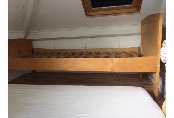 Mooi houten bed 1-persoons - FAAF0426-FCB7-4324-BB02-F4FECF1DE6B5.jpeg