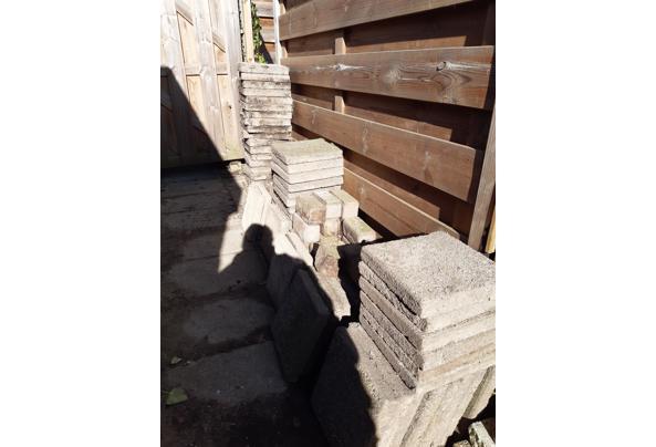 Stoeptegels van 30×30 en bakstenen - 20210228_142111