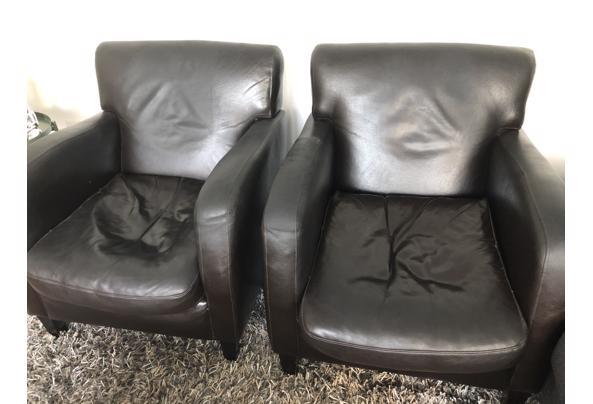 2 leuke leren stoeltjes - AF511235-4C60-4C2B-82E8-D03D6CD2B576