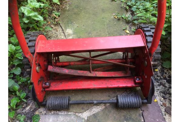 Grasmachine - niet elektrisch - met de hand - IMG_4322