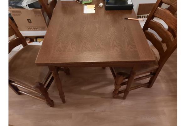Mooie donker eiken eethoek met 4 mooie stoelen - sKShp5rA