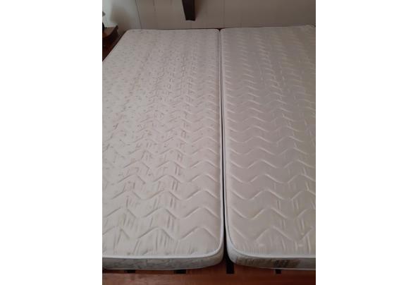 2 eenpersoonsmatrassen 80 x 200 cm, schoon en in zeer goede staat  - matras
