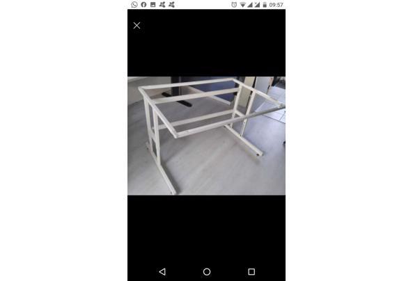 Bureau tafel in hoogte verstelbaar  - A0664434-8083-4C22-AF9E-20EF771F1B7C