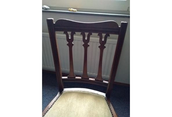 Leuk houten stoeltje - 1611048266882496004968891966105