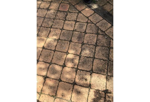 Gebakken terrastegel 20x20 cm, circa 40m2 - CDB84EF2-E024-45F6-B203-11996180E605