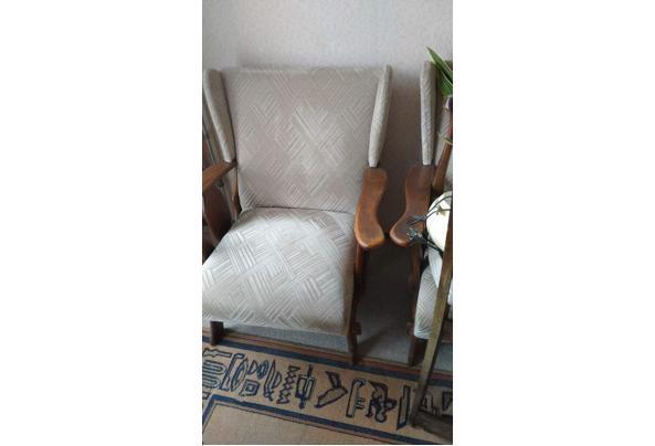Twee stoelen - IMG-20210503-WA0002