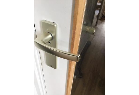 2 stuks witte binnendeur met glas - BEC6E0A3-BFFD-4E42-971E-B5D6ADFDA36E