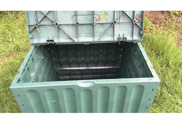Compostbak  - 309E43C4-1E64-46E4-9AF4-1340C293B0E2