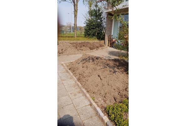 Zwarte grond 2,5 m3 - 20210421_120302