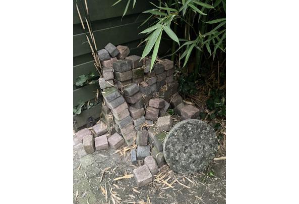Stapel stenen gratis af te halen - 603EBA5C-169B-4901-A912-448425FAAEC4