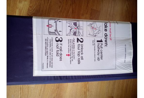Kampeerbedje, ook als box te gebruiken - Kampeerbedje-instructies-2