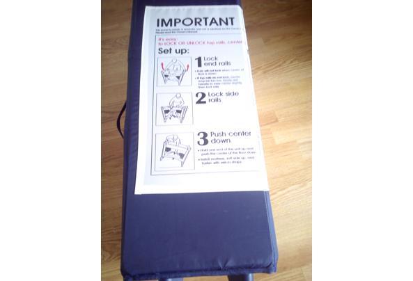 Kampeerbedje, ook als box te gebruiken - Kampeerbedje-instructies