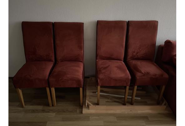 2- en 2,5 sits banken en 4 stoelen met eettafel - C6963904-07AF-4DA1-B9E2-C107E018E09C