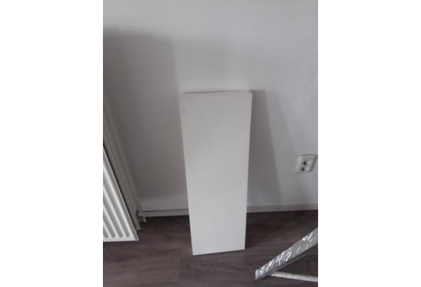 Persby Ikea boekenplank - Persby-boekenplank-Ikea-69-x-26-x-5-cm