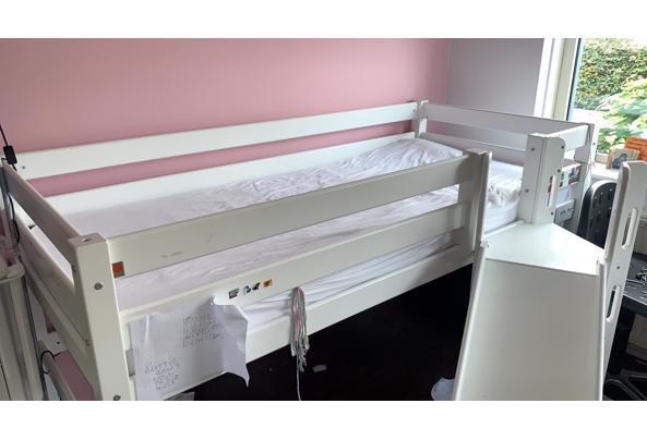 Hoogslaper bed voor kind met glijbaan en trapje - IMG-20210821-WA0002