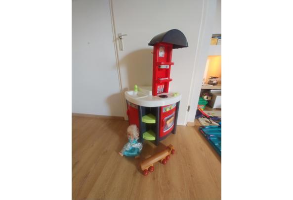 Keukentje, Elsa pop en vrachtwagen. Speelgoed kinderen - 20210728_161313