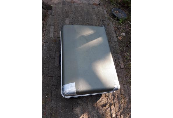 Koffer/ reiskoffer grijs - 20210609_082717