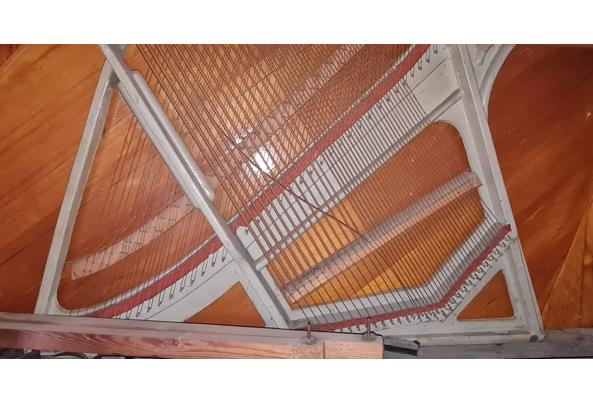 Oude piano - IMG-20201129-WA0002