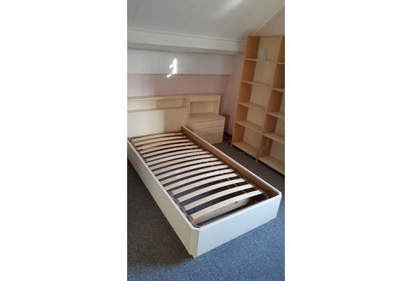 Eenpersoonsbed 2 meter met nachtkastje - IMG_20210305_092054964
