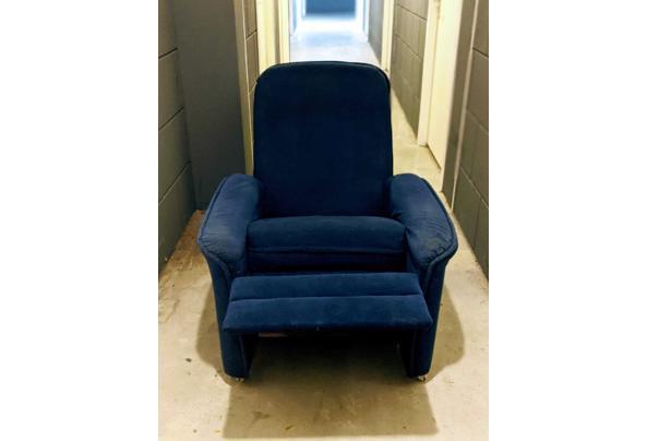 Stoel met uitklapbaar voetensteun - stoel1