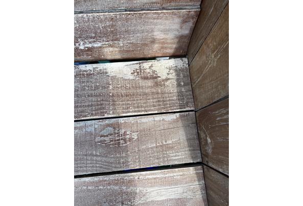 Twee houten stoelen  - 3C2533B9-E2D6-4457-9CB2-B983F935604F