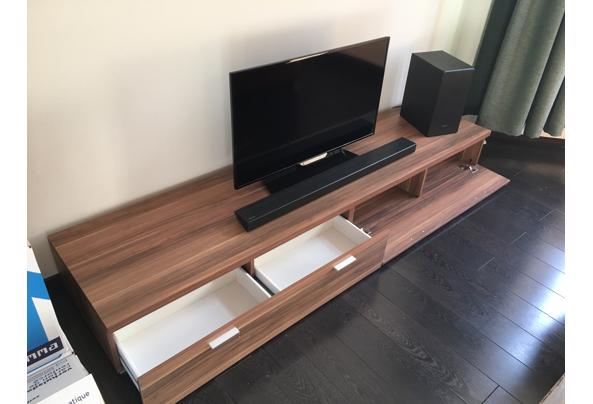 Tv-meubel van hout - 7E886346-A7FF-40B8-9528-D356F93B3D79