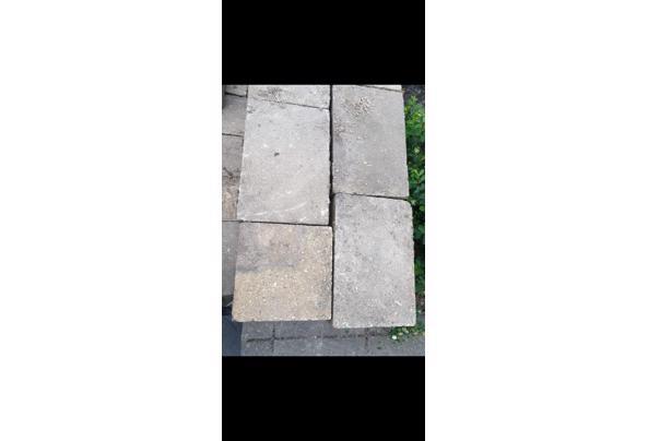 Grijs/gele tuintegels 35-40m2 - Screenshot_20210509-211040_WhatsApp