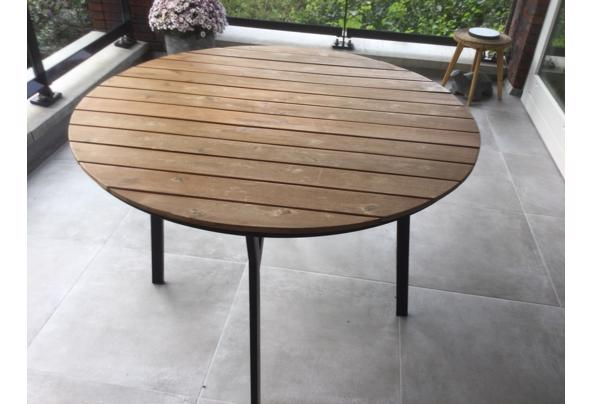Ronde tuintafel met houten blad - DACE7C29-0F10-4EE2-8C54-69998EA93FB9