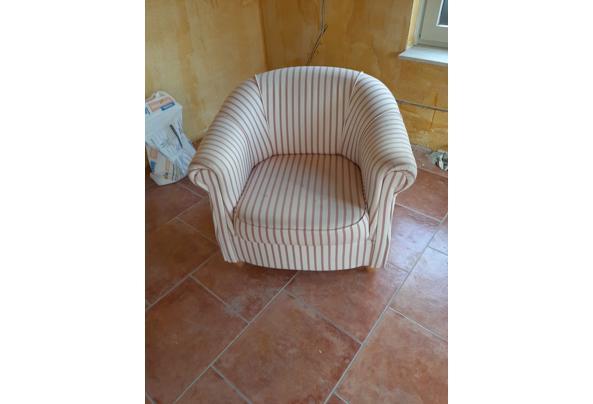 Halfronde fauteuil - 16142467432526705733750739508235