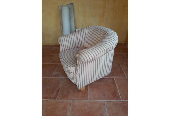 Halfronde fauteuil - 16142467580966229913509378723877