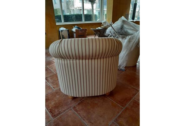Halfronde fauteuil - 16142467811112092710512415283473