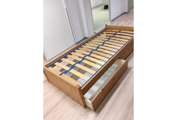Eénpersoons bed met grote laden er onder - A4D41295-9547-4F76-9880-252DEA20C8E5