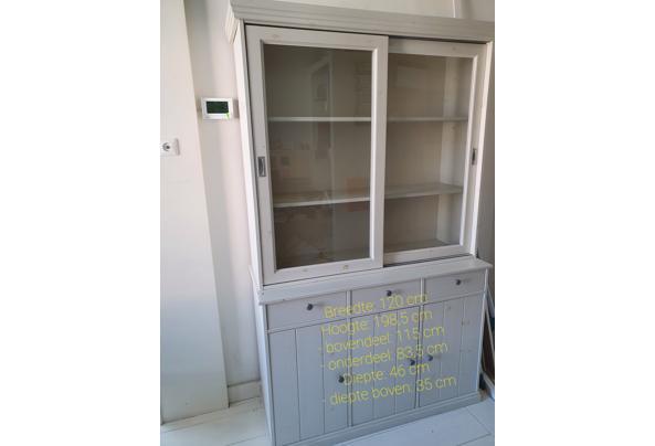 Vitrinekast met glazen schuifdeurtjes, dichte deurtjes + laadjes - 20210610_092435