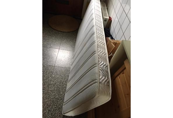 Eenpersoonsbed met lattenbodem, matras en onderlades 80x190 - IMG_8786
